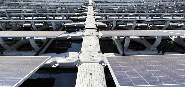 Fotovoltaica flotante ventajas y desventajas