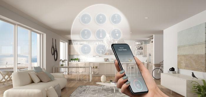 Uso del teléfono móvil para controlar los dispositivos del hogar