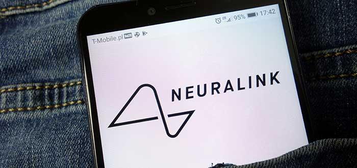 logo-de-neuralink-en-smartphone