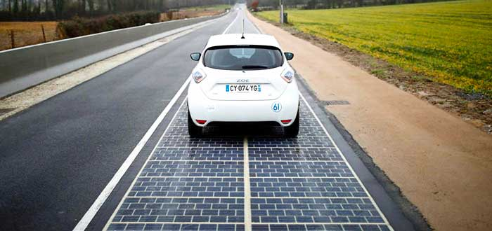 coche-en-carretera-solar