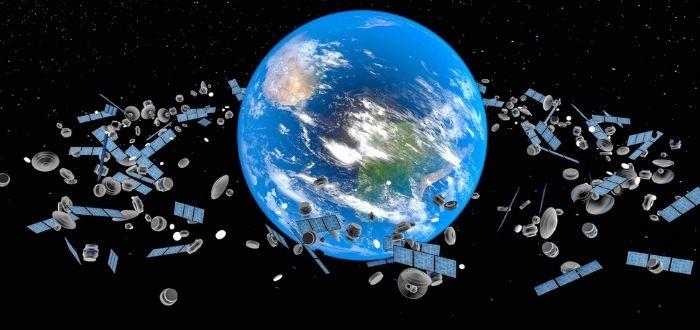 Objetos contaminantes en la órbita de la tierra