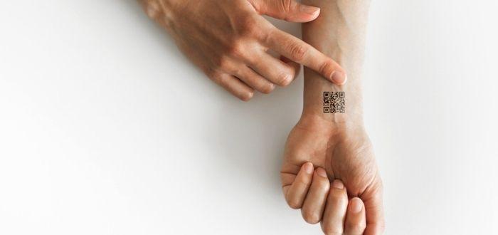 Tecnología QR en Microchips en humanos