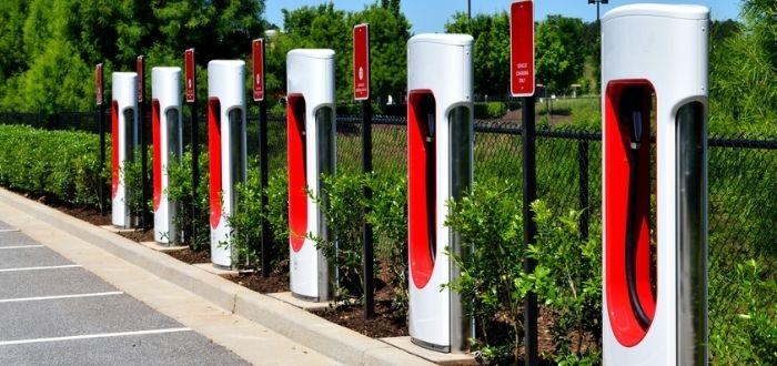 Electrolineras: Estación de carga de vehículos eléctricos en carretera