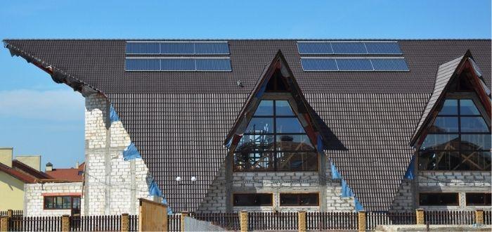 Paneles fotovoltaicos en techo